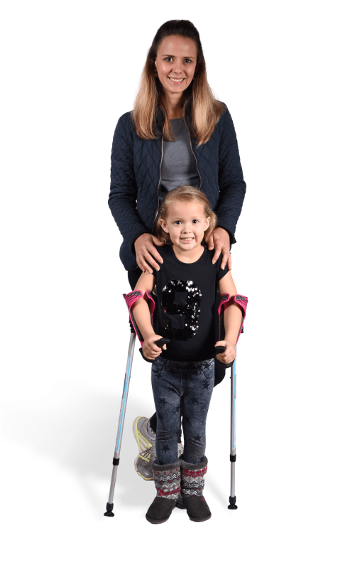 girl and mum with smartcrutch